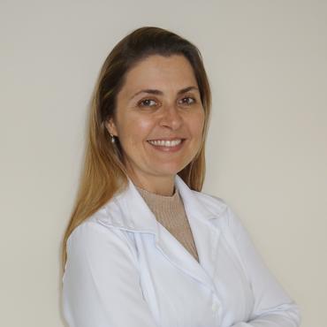 Dra. Letícia Soares de Souza